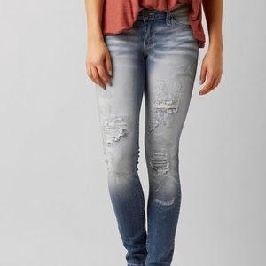 The Buckle - KANCAN LOW RISE SKINNY STRETCH JEANS